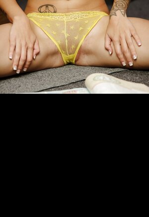 Hot broad wants hot spunk but no 1 she has to be anally fucked by brutal guy