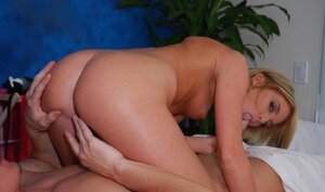Sex performance from lascivious blonde slut rocking out on client's cock